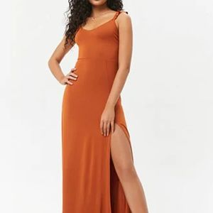 NWT Sweetheart Ruffle Maxi Dress High Slit in Rust